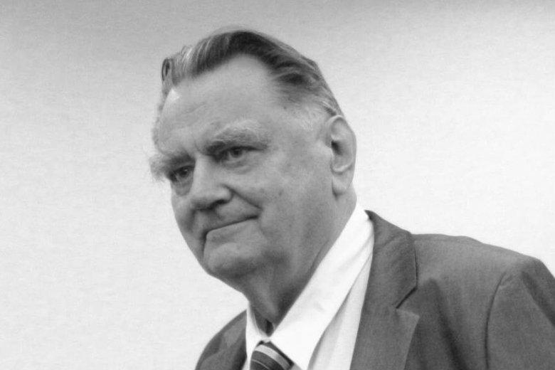 Pogrzeb Jana Olszewskiego ma odbyć się 16 lutego w sobotę. Takie informacje podał Kornel Morawiecki, powołując się na żonę Jana Olszewskiego Martę Miklaszewską.