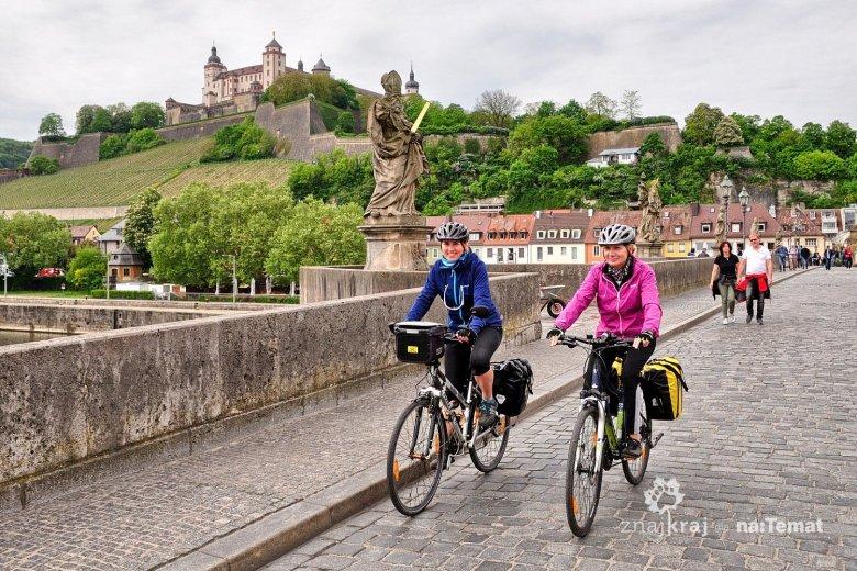 Na Starym Moście na Menie w Würzburgu
