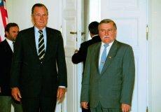 21.07.1995 roku. Prezydent USA George Bush i prezydent Lech Wałęsa w Pałacu Prezydenckim w Warszawie