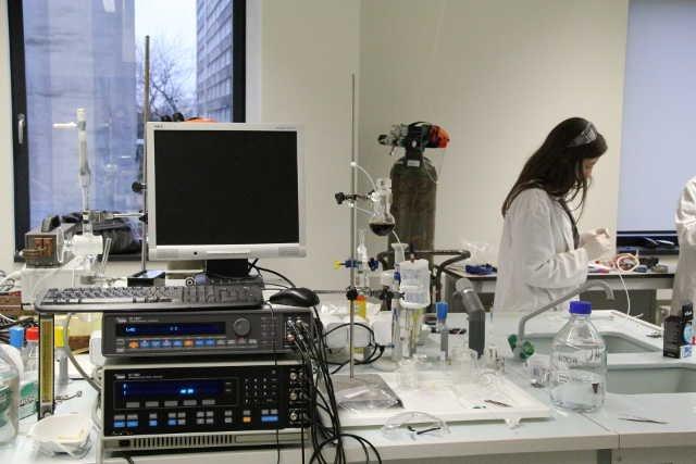 Laboratorium Nowych Źródeł Energii z najnowocześniejszym sprzętem w Europie wschodniej.