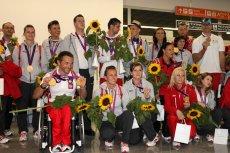 Powrót Paraolimpijczyków z Londynu. Kibice przywitali ich na warszawskim lotnisku.