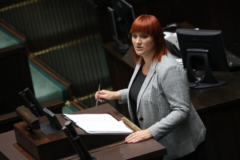 Posłowie PiS zdecydowali, że projekt firmowany przez Justynę Sochę, liderkę Ogólnopolskiego Stowarzyszenia Wiedzy o Szczepieniach STOP NOP trafi do komisji
