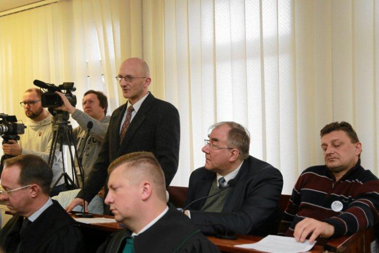 Piotr Łopaciuk razem z innymi działaczami KOD odpowiadał przed sądem w Suwałkach za zakłócenie spotkania z obecną senator Anną Marią Anders
