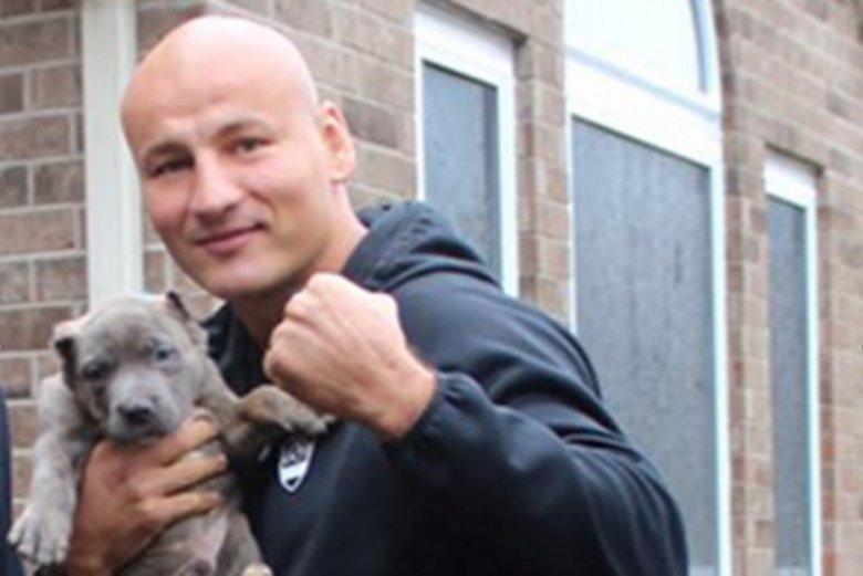Artur Szpilka oburzył wielu miłośników psów. Bokser tłumaczy, że w Stanach Zjednoczonych podcinanie uszu psom jest legalne.