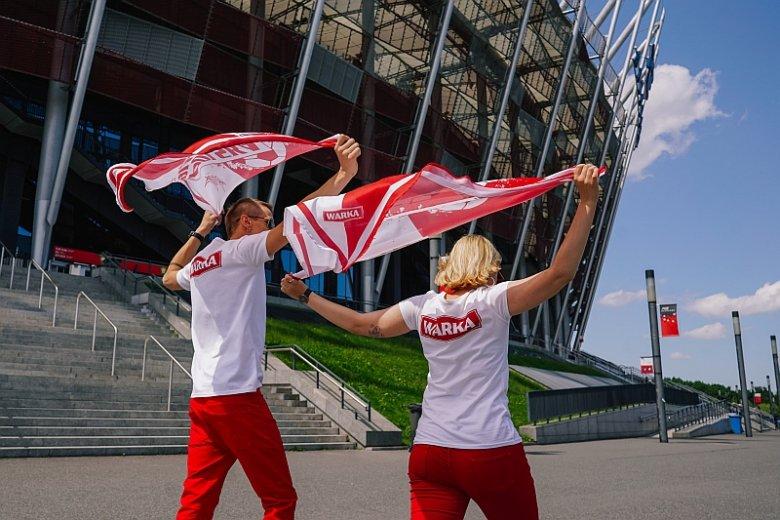 Kibice, którzy kupili bilety na dowolny mecz tegorocznych mistrzostw, mogą pojechać do Rosji bez wizy i przemieszczać się za darmo komunikacją miejską w miastach organizujących zawody