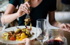 Dietetycy podkreślają, że nim sięgniemy po suplementy - warto przyjrzeć się naszemu codziennemu jadłospisowi