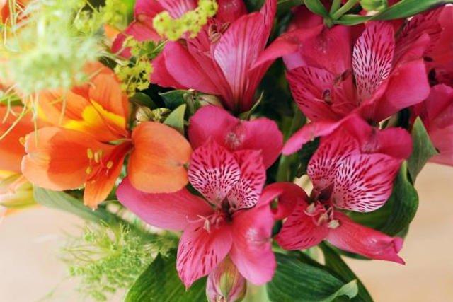 Prezenty na Dzień Matki – pomysł na kwiatową dekorację!