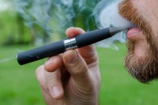 Po e-papierosach jak po alkoholu?