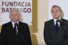 Jarosław Kaczyński nie zawsze wojował z organizacjami pozarządowymi. Gdy jeszcze był w opozycji, bardzo cenił Fundację Batorego korzystającą z funduszy Sorosa (2013).