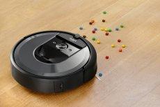 Robot Roomba i7 to automatyczny odkurzacz zaprojektowany przez iRobot. Wzięliśmy go pod lupę, dzięki czemu zebraliśmy garść ciekawostek o tym nieprzeciętnym robocie odkurzającym