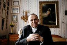 Ks. Henryk Jankowski w swoim apartamencie w parafii św. Brygidy w Gdańsku (16.04.2010 r.). Zmarł trzy miesiące później.