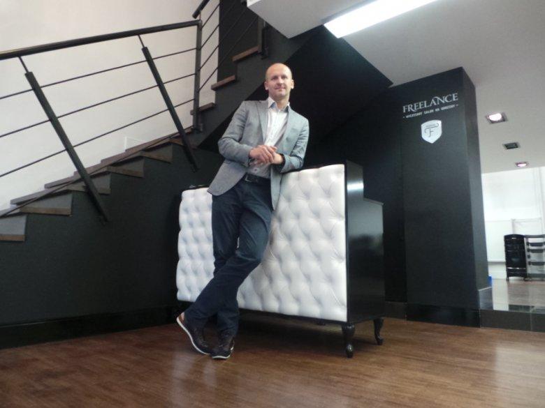 Krzysztof Kostro - założył pierwszy w Polsce salon coworkingowy dla fryzjerów