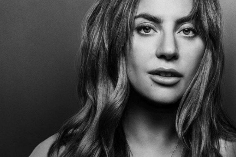 Lady Gaga pokazała zdjęcie z ciemniejszymi włosami. Fani nie mogą wyjść z podziwu. Powodem metamorfozy jest film, w którym artystka zagra główną rolę