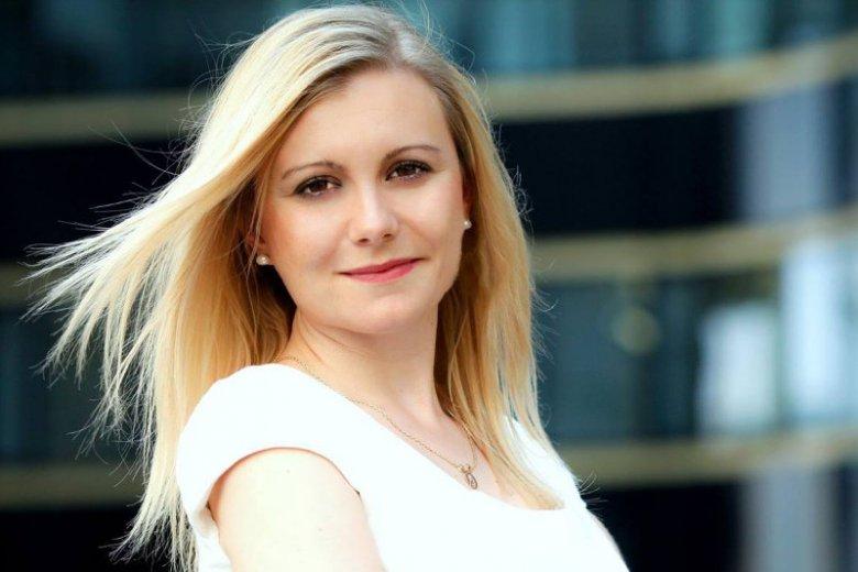 Edyta Kocyk to CEO firmy SiDLY wprowadzającej na rynek teleopaski.