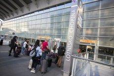 W kolejce na samolot, w kolejce po bagaż... i tak ze 3-4 godziny. Los pasażera na Lotnisku Chopina bywa czasami okrutny.