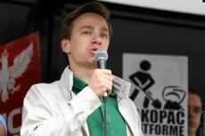 Krzysztof Bosak wyjawił na Twitterze, że stosowanie klapsów nie podpada pod bicie dzieci.