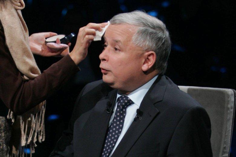 Jarosław Kaczyński w studiu telewizyjnym TVN w 2007 r.