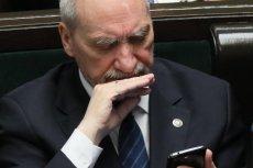 """Macierewicz o Misiewiczu w """"DGP"""": był brutalnie atakowany przez WSI."""