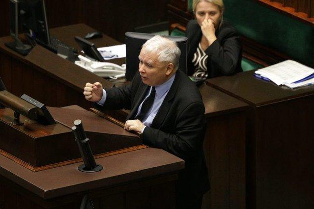 Spada poparcie dla partii Jarosława Kaczyńskiego, w listopadzie na PiS zagłosowałoby 37 proc. badanych.