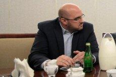 """W wieczornym programie """"Wiadomości"""" zaapelowano o nieupolitycznianie śmierci Pawła Adamowicza. Wyszło dokładnie odwrotnie."""