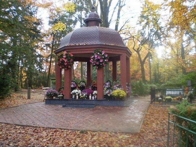 Jeden z większych rodzinnych grobowców, związanych od pokoleń ze Szczecinem, Romów