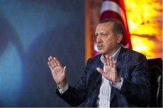 Turkowie wspierają prezydenta. Wielka manifestacja w Stambule.