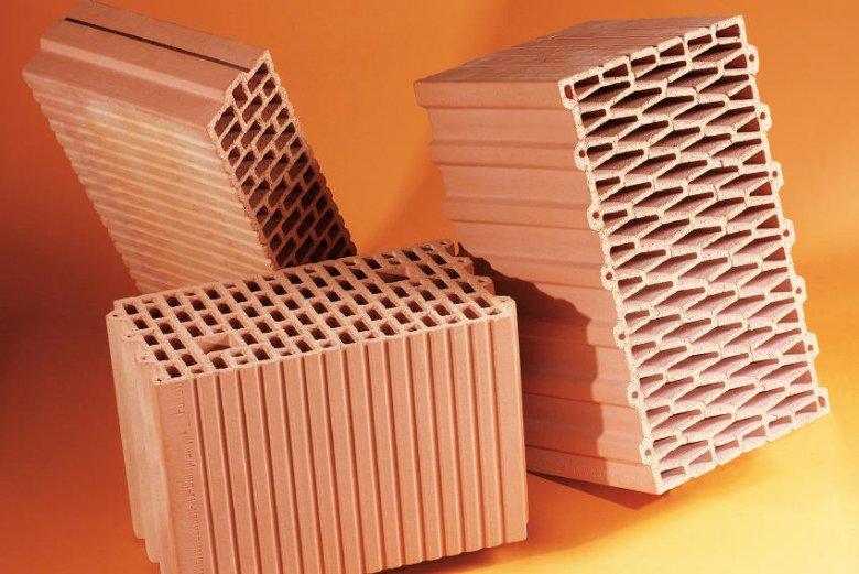 Ceramiczne pustaki, stropy i nadproża tworzą kompletny system do budowy ciepłego domu.