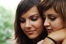 Niektóre kobiety są lesbijkami, bo ich matki paliły w czasie ciąży?