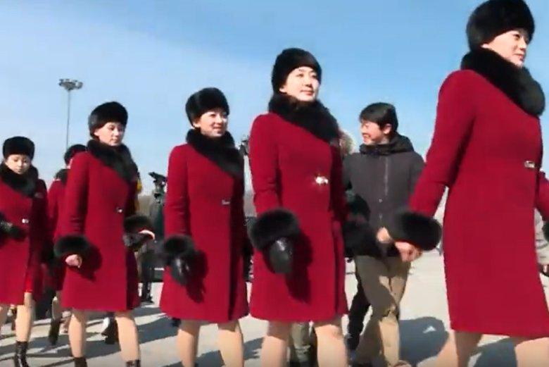 Cheerleaderki z Korei Północnej przybyły do Pjongczangu.
