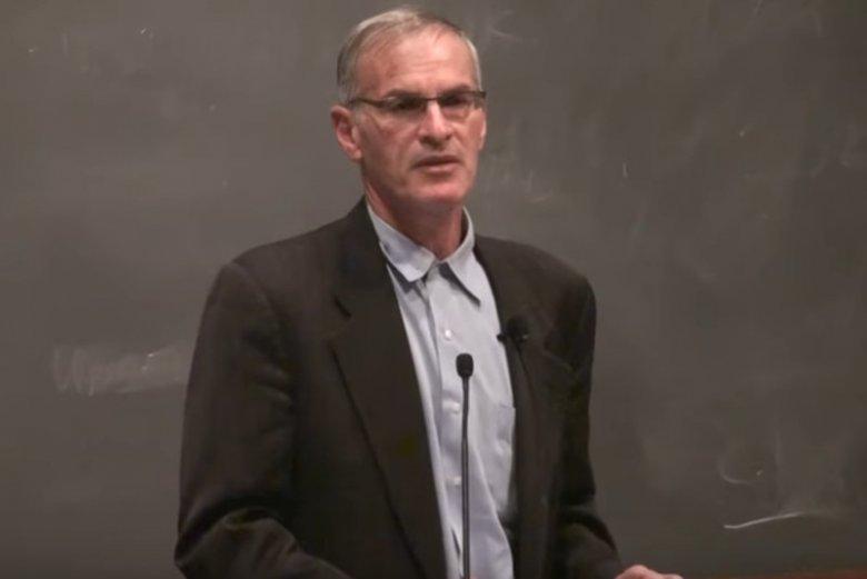 """Prof. Norman Finkelstein jest kreowany w prawicowych mediach na pogromcę prof. Jana Grossa, autora """"Sąsiadów"""""""
