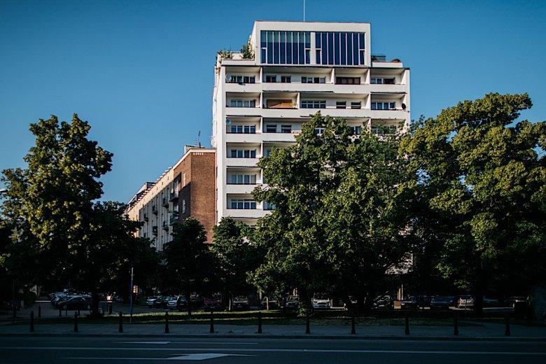 Dom na dachu, a może Dom Kereta? W Warszawie jest sporo budynków, o których nie miałeś pojęcia, a są zaliczane do pereł architektury w stolicy.
