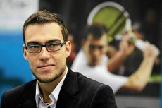 Mimo choroby Jerzy Janowicz poprowadził Polaków do wygranej w Pucharze Davisa z RPA