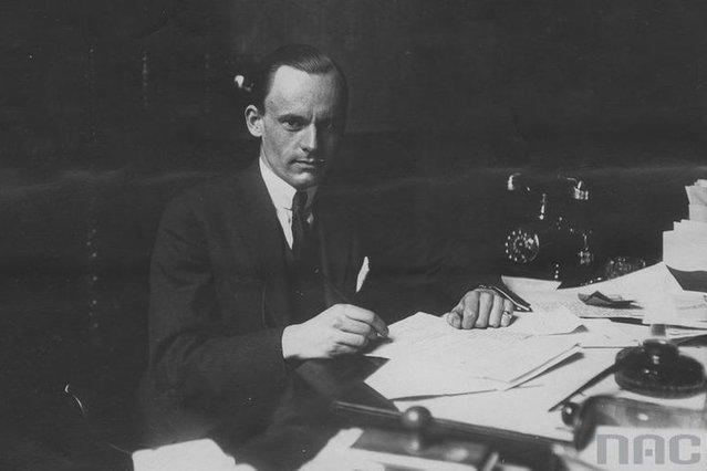 Stanisław Schimitzek w czasie II wojny pracował w Lizbonie jako delegat rządu RP ds. opieki społecznej.