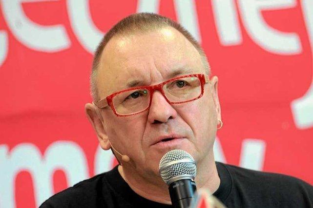 Szef WOŚP Jurek Owsiak odpowiada na przytyki prezesa TVP, Jacka Kurskiego.