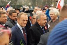 Tusk złożył kwiaty pod pomnikiem Józefa Piłsudskiego pod Belwederem.