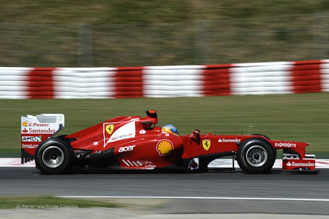Fernando Alonso przed własną publicznością zdobył drugie pole startowe