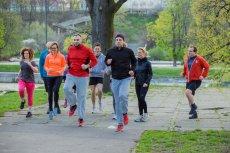 """Po pierwszym treningu przed maratonem wiemy jedno: """"Bieganie nas nie zabije. Wcześniej zrobi to dieta"""""""