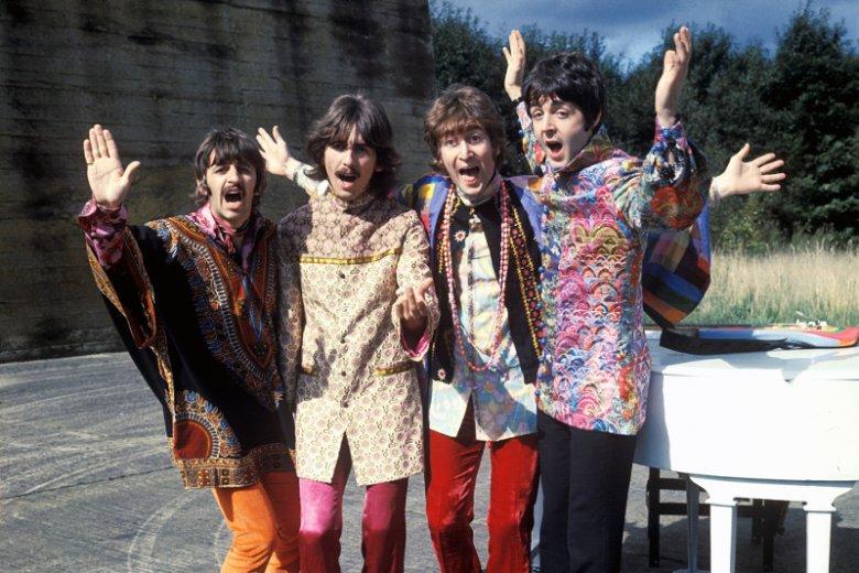 DigitalDreamDoor.com to istniejący od 2003 roku serwis internetowy, na którego stronach publikowane są listy najlepszych piosenek, albumów oraz wykonawców. Na liście 100 najlepszych artystów rockowych 1 miejsce zajął zespół The Beatles