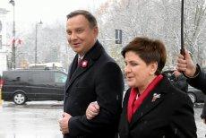 Ani prezydent Duda, ani premier Szydło na razie nie zdecydowała się na złożenie kondolencji Rosjanom.