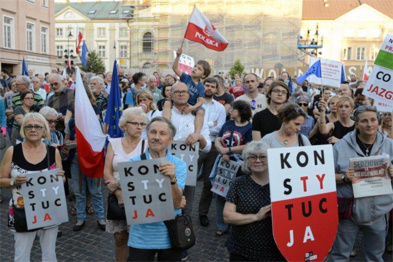 Niemiecki magazyn o poczynaniach PiS wobec Sądu Najwyższego: to pucz!