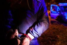 Oprawcy w starszliwy sposób katowali Mateusza, bo podejrzewali go o kradzież laptopa.