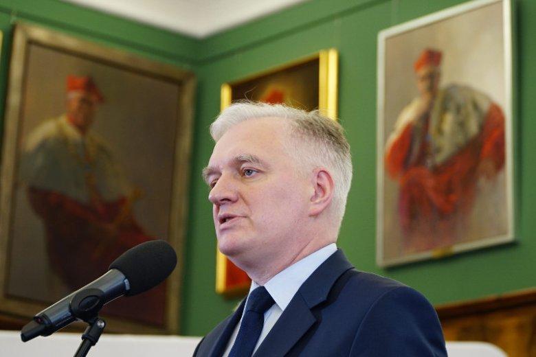 W rządzie PO – wbił nóż w plecy Tuskowi, w rządzie PiS – Jarosława Gowina rozsadzają ambicje