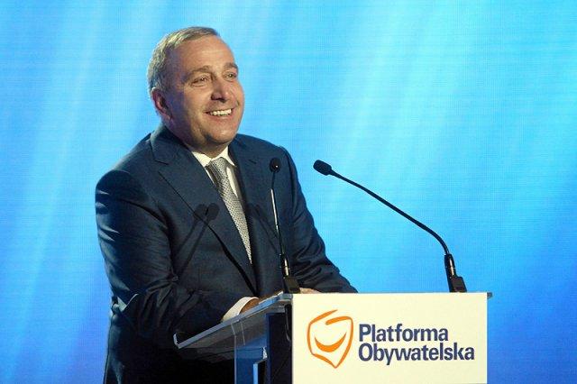 Szef PO Grzegorz Schetyna przekonuje, że chce współpracować z innymi formacjami opozycyjnymi. Nowoczesna zdaje się tę ofertę odrzucać, pomimo swoich coraz większych problemów.