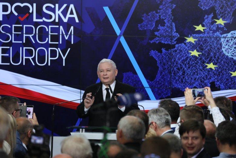 Jarosław Kaczyński może być zadowolony z wyniku PiS w wyborach do PE.