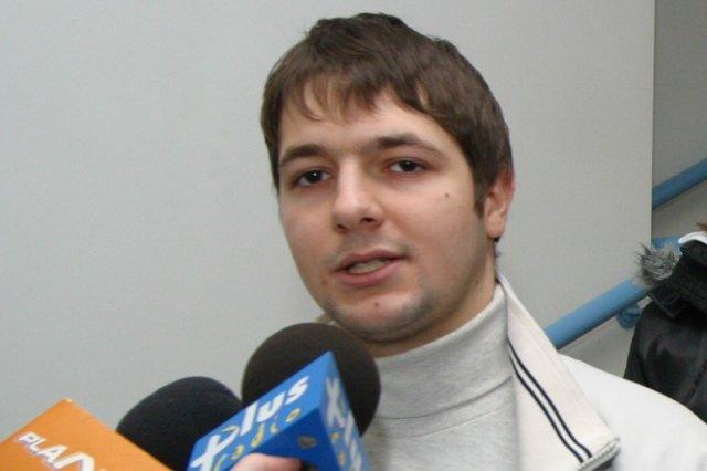 Patrykowi Jakiemu w telewizji przypomniano, że przed laty należał do PO. Mina wiceministra – bezcenna. Na zdjęciu – Patryk Jaki w Opolu w 2006 r.