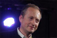 Dziennikarz TVN24 Konrad Piasecki jest zdegustowany artykułem w TVP Info o politykach opozycji do odstrzału.