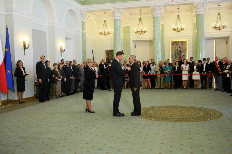 Prezydentom przyjęcia orderów odmawia wiele osób. I nie chodzi tylko o Dudę.