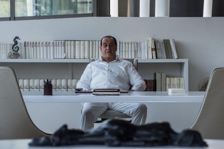 W rolę Silvia Berlusconiego w filmie ''Oni'' wciela się Toni Servillo, ulubiony aktor oscarowego reżysera Paolo Sorrentino