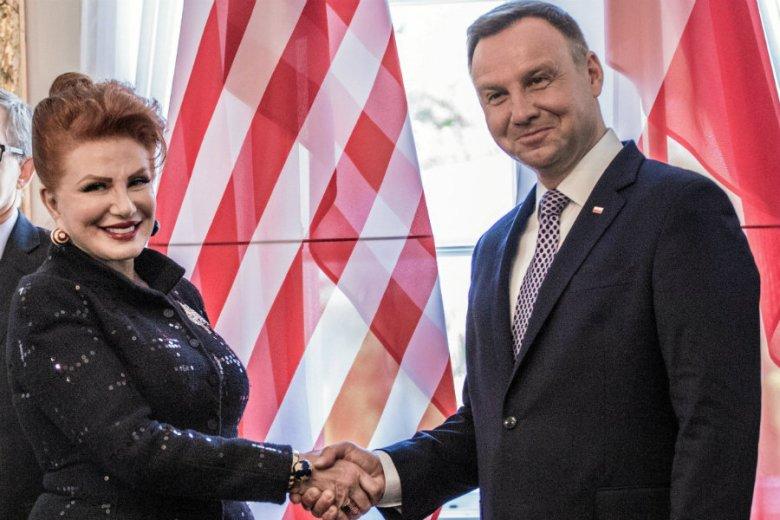 Georgette Mosbacher wygłosiła swoje pierwsze przemówienie, w którym powiedziała o wolności słowa, demokratycznych rządach, tolerancji i przewidywalności jako wspólnych polskich i amerykańskich wartościach.