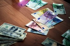 We Wiedniu wyłowiono z Dunaju 100 tys. euro.